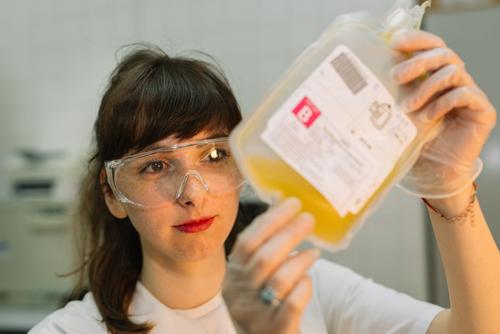 Πώς το αίμα από επιζώντες από κορωνοϊό μπορεί να σώσει ζωές